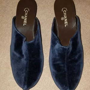 Beautiful velvet Chanel clogs